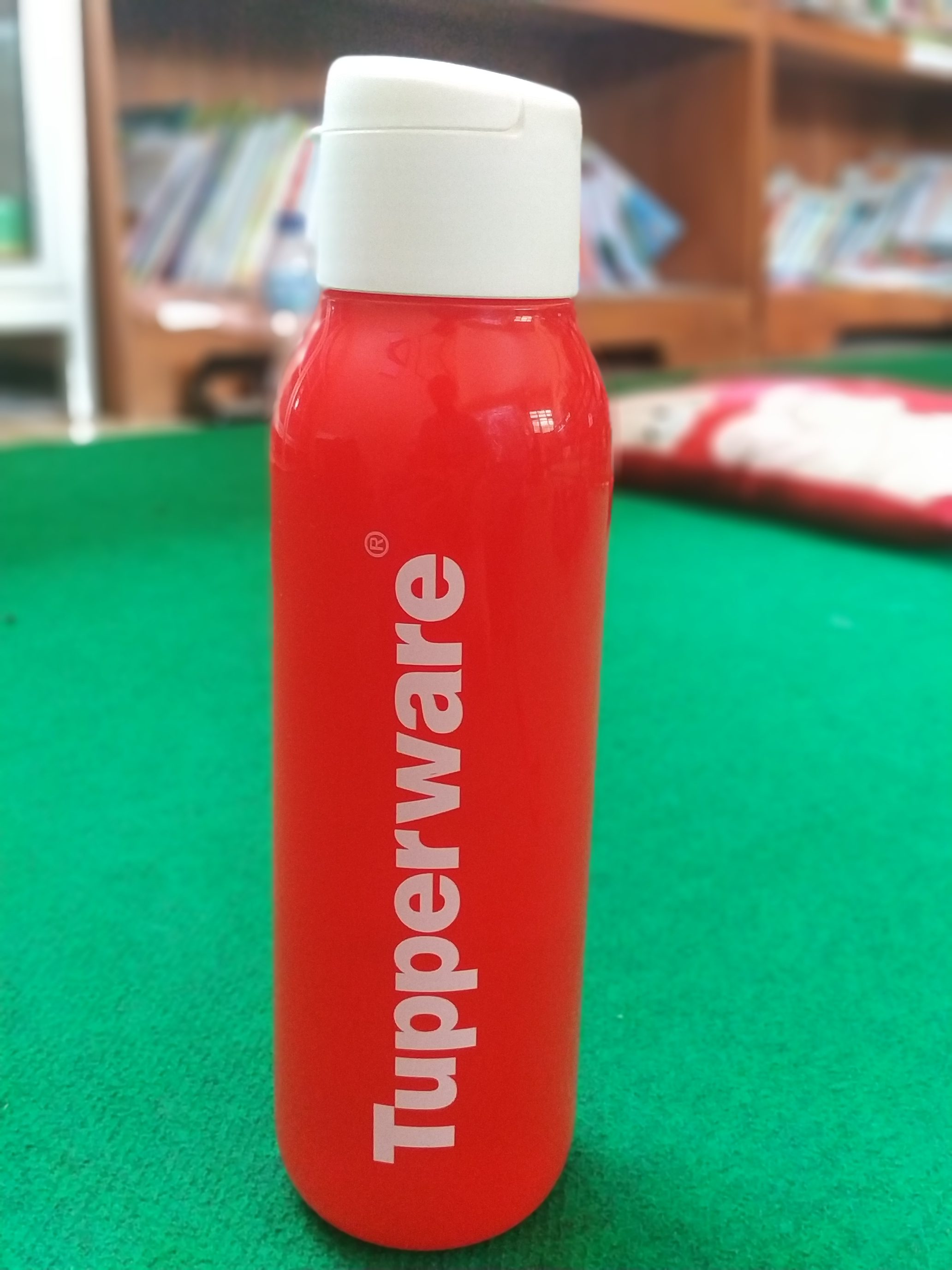 Botol tupperware 750ml harga 70k